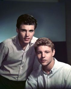 Actors Ricky and David Nelson posed for a promotional image publicizing ABC comedy The Adventures of Ozzie and Harriet, United States, photograph by Ted Allan. David Nelson, Ricky Nelson, Old Hollywood Stars, Classic Hollywood, Celebrities Then And Now, Country Music Singers, Classic Tv, Funny People, A Team