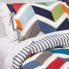 Breathe a breath of fresh air into your kid's room with a Daniel Duvet Set. This charming, reversible duvet cover doubles your style potential with its flip. Brothers Room, Baby Brothers, Girls Bedroom, Bedroom Decor, Bedrooms, Zen, Kids Sheets, One Bed, Beds Online