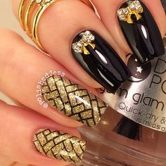 Black and gold with bows