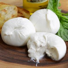 Our Fresh Truffle Burrata is an Italian style mozzarella cheese filled with buttery cream that gushes out when you slice through. Delivered across the US Gourmet Food Store, Gourmet Recipes, Italian Cheese, Vegetarian Chocolate, Food To Make, How To Make Cheese, Quick Easy Meals, Soul Food, Catering