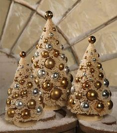 Bethany Lowe Romantic Bottle Brush Set Christmas Ivory Trees with Gold SilverVintage Style Bottle Brush Trees Mercury Balls, Winter/Christmas, Set of 3 NewVintage Christmas, Country Christmas figurines, Old Fashioned Christmas ornaments and retro Chr Cone Christmas Trees, Christmas Villages, Xmas Tree, Winter Christmas, Christmas Ornaments, Christmas Party Decorations, Holiday Crafts, Shabby Chic Christmas, Vintage Christmas