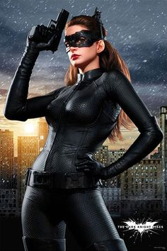 """danhacker: """" 'The Dark Knight Rises' Catwoman Poster I will never tire of seeing Anne Hathaway dressed as Catwoman. """" The more I see of her, the more I'm lovin' Anne Hathaway's Catwoman. Catwoman Cosplay, Cosplay Gatúbela, Catwoman Suit, Catwoman Makeup, Catwoman Comic, Anne Hathaway Catwoman, Dark Knight Rises Catwoman, The Dark Knight Rises, Batman Rises"""