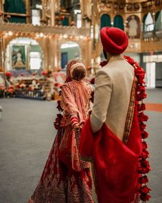 At Spyne we have photographers in over 35 cities of India including wedding photographers, fashion photographers, E-commerce and product photographers. Sikh Bride, Indian Bride And Groom, Sikh Wedding, Punjabi Wedding, Farm Wedding, Wedding Shoot, Wedding Couples, Boho Wedding, Wedding Reception