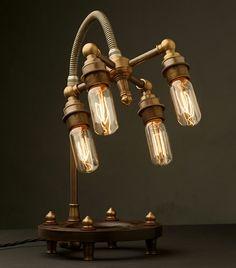 Edison Glühbirnen für eine authentisch wirkende Tischleuchte