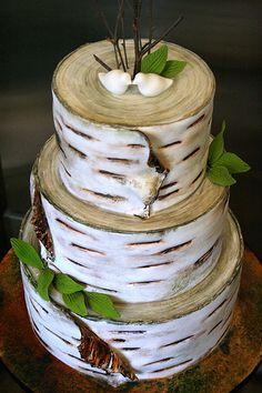 How cute is this birch bark rustic wedding cake! #WeddingCake #RusticWedding #Woodgrain