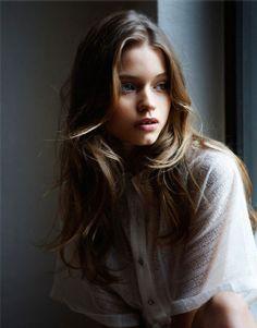 Pretty Girl with Brown Hair | ... , blue eyes, cute face, eyes, girl, hair - image #86607 on Favim.com