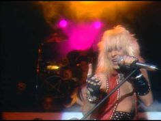 Mötley Crüe - Live Wire - YouTube