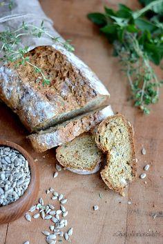 Chlebek na sodzie. Szybki chlebek. Domowe pieczywo. Chleb z ziołami. Chleb ze słonecznikiem. Irish soda bread. Going Vegan, Feta, Camembert Cheese, Banana Bread, Dairy, Desserts, Blog, Foodies, Decor