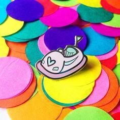 Pink dodgem pin - bumper car pin - hard enamel pin - lapel pin - hat pin - pin…
