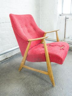 Meet the Trader: Amy of Florrie and Bill Mid Century Chair, Mid Century Furniture, Retro Furniture, Antique Furniture, Dining Room Chairs, Outdoor Chairs, Amy, Accent Chairs, Armchair