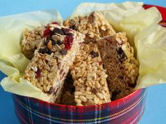 All or Nothing Granola Bars: Healthy homemade and delicious granola bars. | Woman in Real Life. Note: Uses peanut butter and brown rice syrup.