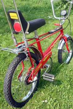 The bike I really, really wanted - the Raleigh Chopper. Also the bike everyone else in my little biker gang had. My Childhood Memories, Childhood Toys, Raleigh Chopper, Raleigh Bikes, Retro Bike, Push Bikes, Chopper Bike, Custom Choppers, Custom Motorcycles
