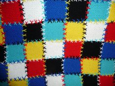 Close up of the knitted quilt