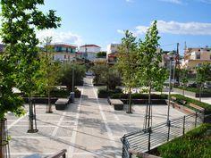 Πλατεία ΠηγώνΣκάλα, Λακωνία2009 - 2015ΔημόσιοΟλοκληρώθηκε5600 τ.μ.Η Utopia landscapes σχεδίασε το σύνολο των χώρων της Πλατείας Πηγών, της κεντρικής πλατείας της πόλης της Σκάλας στη Λακωνία. Στο σημείο αναβλύζουν πηγές, όπως υποδηλώνει και το τοπωνύμιο. Η περιοχή λοιπόν, παρ' ότι αστική, αποτελεί ένα πολύ ευαίσθητο φυσικό υδάτινο οικοσύστημα.Η βασική ιδέα σχεδιασμού επικεντρώθηκε στην προστασία και στην ανάδειξη του φυσικού οικοσυστήματος, μετατρέποντας το ταυτόχρονα σε χώρο συνάθροισης Sidewalk, Landscape, Walkway, Scenery, Landscape Paintings, Corner Landscaping, Walkways