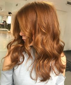We're loving @redken for natural coppers! Formula : 25g 8WG 5g 9P 5g 8C applied to wet hair x Styled with Matt Waves by @oribe - the perfect product to blowdry with when you need hold but don't want to feel it By @hairbylaurenm #edwardsandco #edwardsandcomelbourne