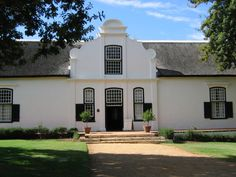 Groot Constantia is the oldest wine estate in South Africa and national monument in the suburb of Constantia in Cape Town, South Africa. Classic Architecture, Architecture Design, Most Beautiful Cities, Beautiful Homes, Cape Colony, Africa Painting, Cape Dutch, Cape Town South Africa, Modern Buildings