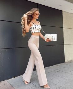 casual and cute summer outfits ideas to inspire - Cute Crop Tops Every Girl Should Own in 2019 - Summer outfits Top Outfits Ideas For Women's Cute And Stylish Teen Fashion Outfits, Mode Outfits, Look Fashion, Fall Outfits, Summer Outfits, Fashion Dresses, Spring Fashion, 80s Fashion, Fashion Fashion