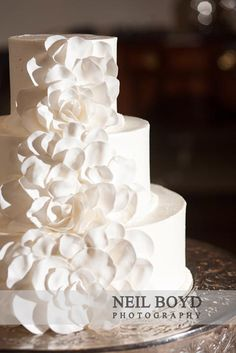 All white wedding cake in Raleigh, NC. | Raleigh weddings