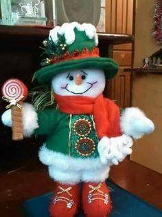 Resultado de imagen para molde de muñeco de nieve sentado Christmas Elf Doll, Felt Christmas Stockings, Christmas Stocking Pattern, Christmas Sewing, Christmas Art, Christmas Projects, Christmas Holidays, Snowman Crafts, Christmas Crafts