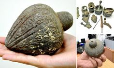 hand grenade from Crusades found in the sea off Israel Larp, Engine Working, Medieval, Archaeological Discoveries, Plastic Bottle Crafts, Old Hands, Fantasy Rpg, Dragon Age, Middle Ages