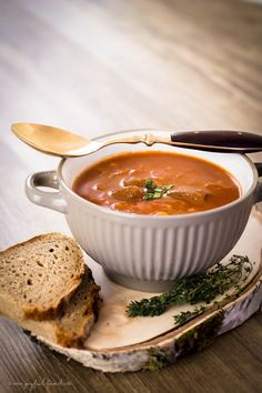 Bavarian dark beer goulash hearty and warming Joyful Food Ba . - Bavarian dark beer goulash hearty and warming Joyful food Bavarian dark beer goulash - Appetizers For A Crowd, Seafood Appetizers, Food For A Crowd, Seafood Recipes, Beef Recipes, Dinner Recipes, Paleo Dinner, Goulash, Prosciutto