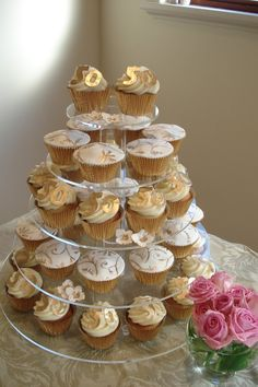 50th anniversary party ideas on a budget | make anniversary cake if you are on a budget still it has set up some ...