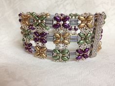 Bracelet - Tila and Super Duo  Love the look of this bracelet!