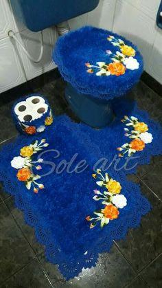 lia souza's media content and analytics Owl Bathroom, Bathroom Sets, Crochet Doily Rug, Crochet Patterns, Crochet Organizer, Crochet Projects, 3 D, Arts And Crafts, Kids Rugs