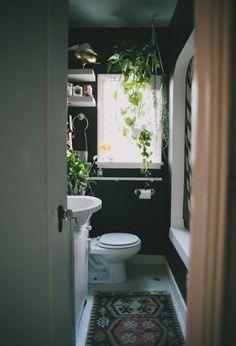 Verdens Mindste Badevaerelse Small Dark BathroomDark