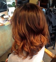 Fresh Trendy Ideas for Copper Hair Color brown to copper ombre hair; can I do this with a dark dirty blond to copper?brown to copper ombre hair; can I do this with a dark dirty blond to copper? Hair Color Auburn, Auburn Hair, Red Hair Color, Auburn Balayage, Balayage Hair, Ombre Hair, Copper Ombre, Copper Hair, Copper Color