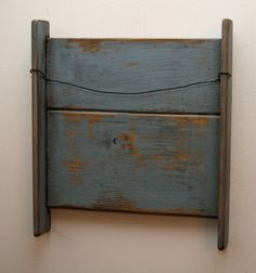 Prim towel rack....fantastic idea!!!  And the color and patina of this one is perfect!    Yes!     :)