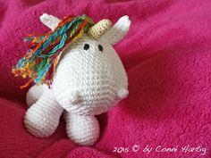 Das süße kleine Einhorn möchte sehr gerne von Dir gehäkelt werden. Die Anleitung ist kostenlos, Du brauchst also nur Wolle und Häkelnadel zum Loslegen.