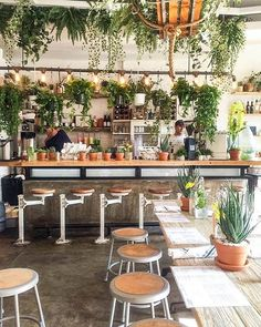 Coffee Shop Interior Design, Coffee Shop Design, Restaurant Interior Design, Cafe Design, Coffee Shop Bar, Coffee Shops, Cafe Bar, Cafe Shop, Decoration Restaurant
