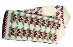 Tee itse somat perinnelapaset: 17 maakuntaa, 17 ohjetta | ET Fair Isle Knitting, Knitting Socks, Knit Socks, Mitten Gloves, Mittens, Nordic Design, Christmas Sweaters, Cross Stitch, Elsa