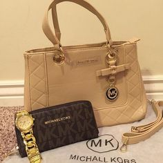 Michael Kors Purse get FREE SHIPPING with $69 purchase! #MichaelKorsPurse