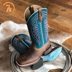Turquoise Cowboy Boots, Cute Cowgirl Boots, Cowboy Boots Women, Cute Boots, Cowgirl Style, Western Style, Outfits With Cowgirl Boots, Country Style, Western Outfits