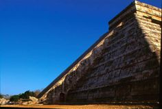 The temple of Kukulkan is also a tridimensional calendar.