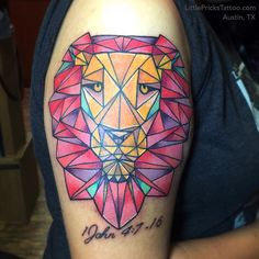 21 Best Lion Color Geometric Tattoo Images In 2017 Geometric Lion