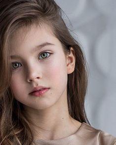 Cute Baby Girl Images, Little Girl Photos, Little Girl Models, Cute Girl Face, Cute Baby Pictures, Cute Girl Photo, Beautiful Little Girls, Cute Little Girls, Beautiful Children