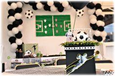 Ideas para tu mesa de postres!!Centros de mesa, decoración, Futbol Decoración y Organización de Eventos!! CONTACTANOS POR FACEBOOK: www.facebook.com/pmasideco