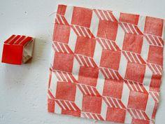 Making Friday: Block Printing mega version — Skinny laMinx DIY Fabric Stamping, by Rianne van der Waals Stamp Printing, Printing On Fabric, Screen Printing, Block Print Fabric, Textiles, Textile Prints, Eraser Stamp, Stamp Carving, Fabric Stamping