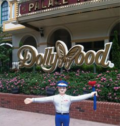 Mr. Rooter is in Dollywood with the Mr. Rooter Charleston team!