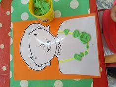 """Kleikaarten maak een mooie ketting voor mama """"liestr* Fine Motor Skills, Montessori, Kindergarten, Crafts For Kids, Projects, Diy Crafts, Diy Home, Games, First Mothers Day Gifts"""