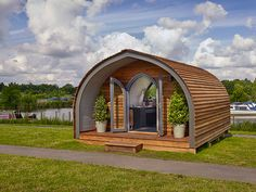 Enjoy the great outdoors with a garden pod ideal for glamping holiday parks or your very own garden. Quonset Homes, Quonset Hut, Shepherds Hut For Sale, Arched Cabin, Garden Pods, Camping Pod, Cabin Tent, Cabin In The Woods, Dome House