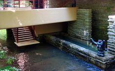 Frank Lloyd Wright, Fallingwater, steps to stream (aka Kaufmann Residence), Bear Run, Pennsylvania (photo: Daderot, CC0 1.0) http://commons.wikimedia.org/wiki/File:Fallingwater_-_DSC05600.JPG