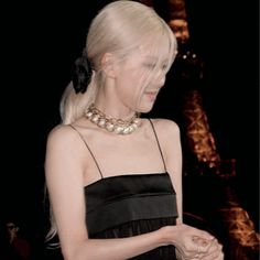 Rose Park, Sulli, Rose Photos, Park Chaeyoung, Cute Couples Goals, Kim Jennie, Pretty Woman, My Girl, Beauty