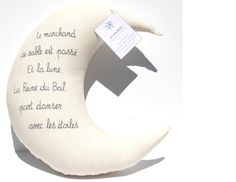 Large decorative moon with French poem . Baby Shower Gift . Handwriting . Shaped pillow . Linen