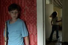 """Mit seinem Räubergesicht ist er von Anfang an ein Charakter: Ivo Pietzcker begeistert in """"Jack"""". Im Wettbewerbsbeitrag von Edward Berger spielt er einen Zehnjährigen, der seine Mutter in Berlin sucht."""