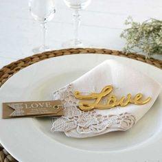 Apri bottiglia love - Bomboniera/wedding favor - http://www.emporioeventi.it/it/183-bomboniere-per-matrimonio #bomboniere #bombonierematrimonio #emporioeventi