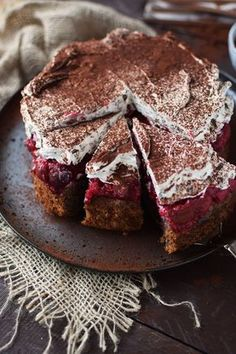 Hazelnut cherry cake: a family classic ⋆ Crunchy tub .-Haselnuss-Kirsch-Kuchen: ein Familienklassiker ⋆ Knusperstübchen Hazelnut cherry cake: a family classic – the crispy room more - Peanut Butter Dessert Recipes, Dessert Recipes For Kids, Dessert Cake Recipes, Chocolate Chip Recipes, Easy Desserts, Cupcake Recipes, Chocolate Cake, Blueberry Chocolate, Summer Desserts
